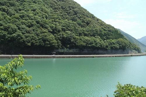 エメラルドグリーンの球磨川